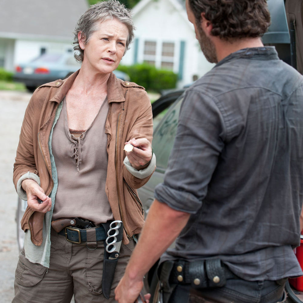 Carol Peletier Costume - The Walking Dead Cosplay - Carol Peletier Knife