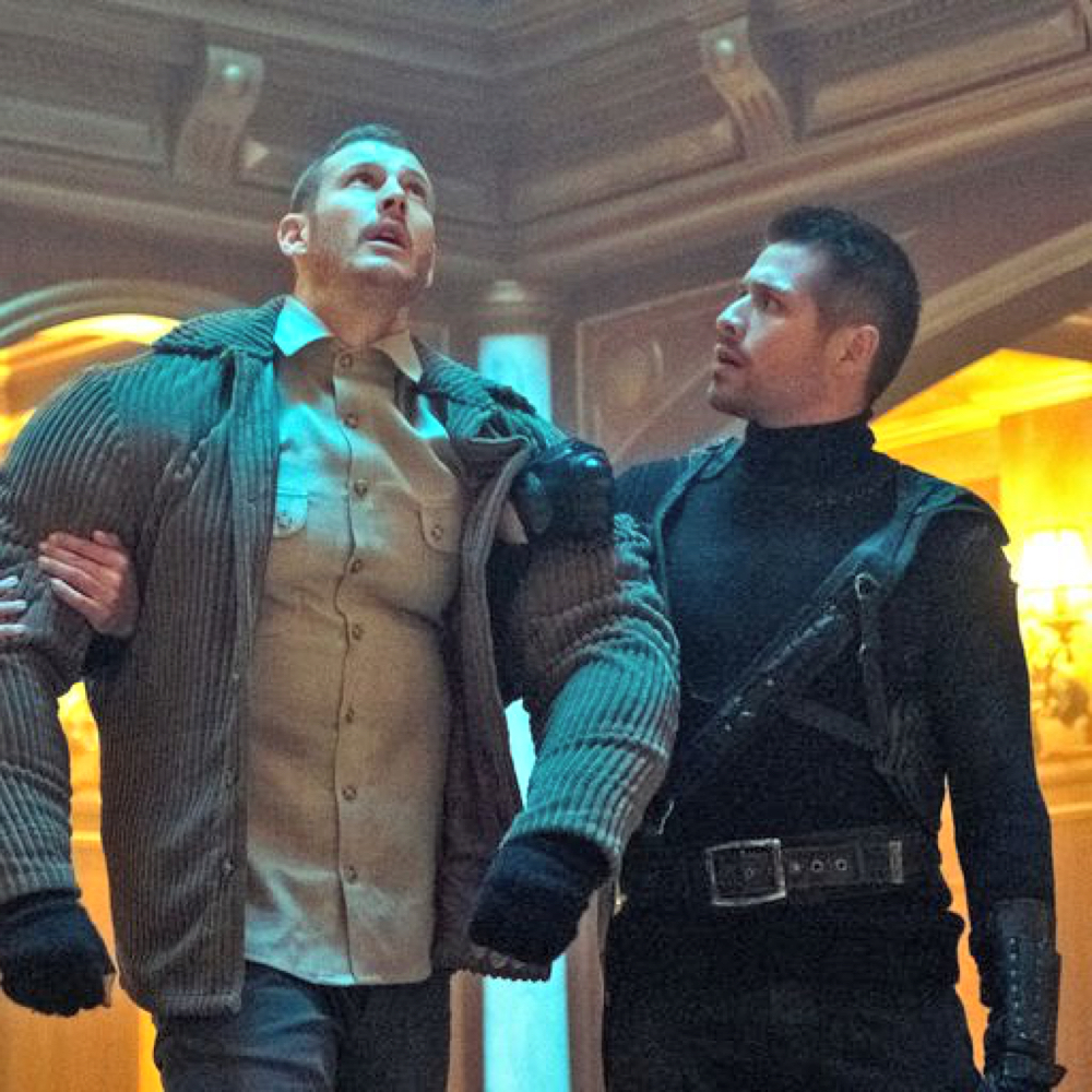 Diego Hargreeves Costume - The Umbrella Academy - Diego Hargreeves Tactical Harness