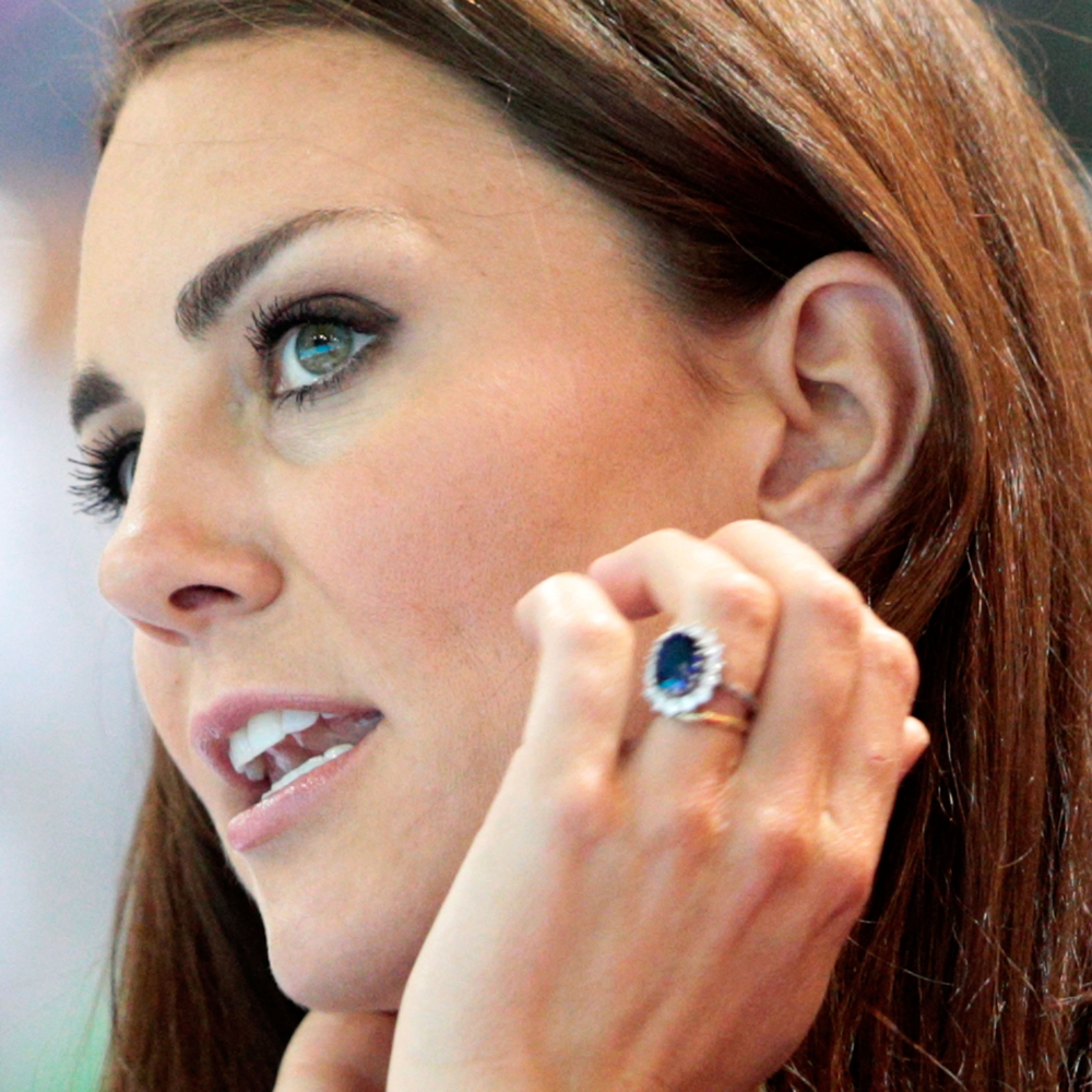 Kate Middleton Bride Costume - Kate Middleton Fancy Dress - Kate Middleton Engagement Ring