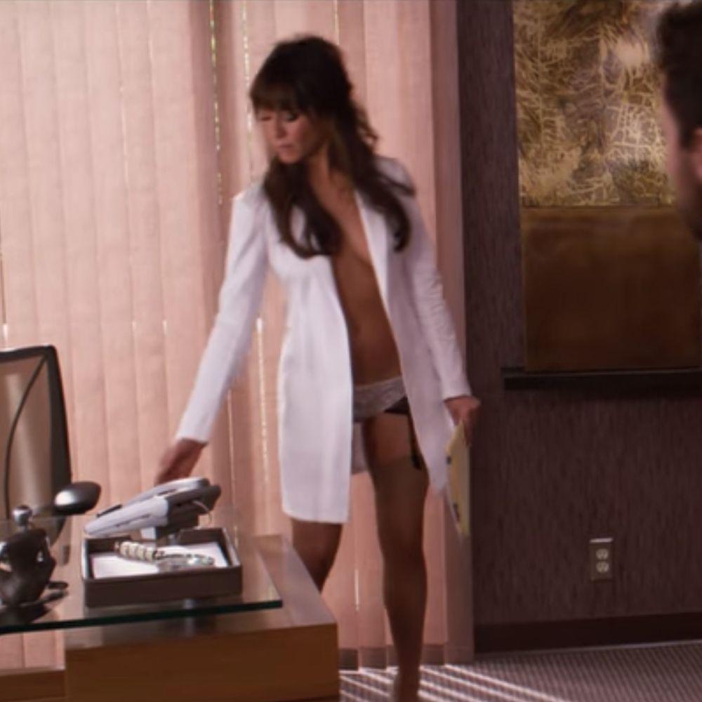 Dr Julia Harris Costume - Horrible Bosses Fancy Dress - Dr Julia Harris Garter Belt - Jennifer Aniston Legs - Jennifer Aniston High Heels - Jennifer Aniston Stockings