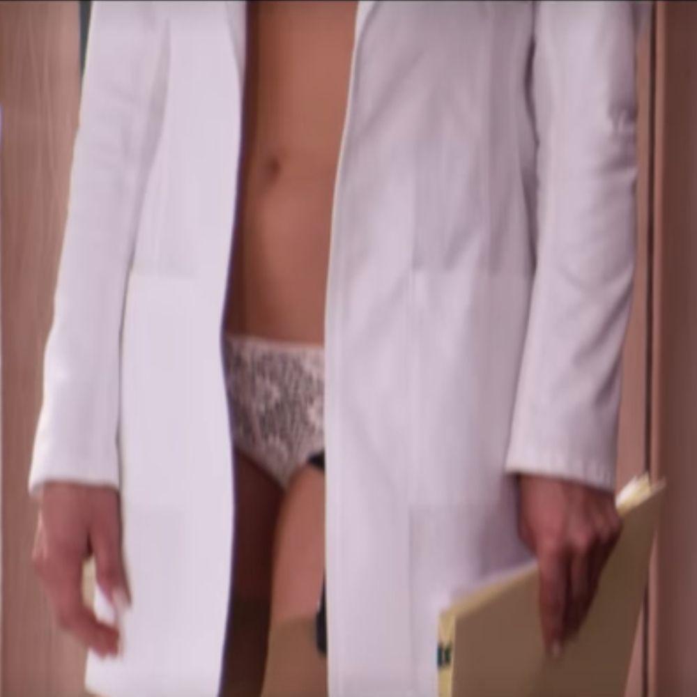 Dr Julia Harris Costume - Horrible Bosses Fancy Dress - Dr Julia Harris Panties - Jennifer Aniston Legs - Jennifer Aniston High Heels - Jennifer Aniston Stockings - Jennifer Aniston Panties