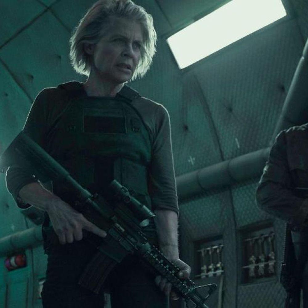 Sarah Connor Costume - Terminator: Dark Fate Fancy Dress - Sarah Connor Gun