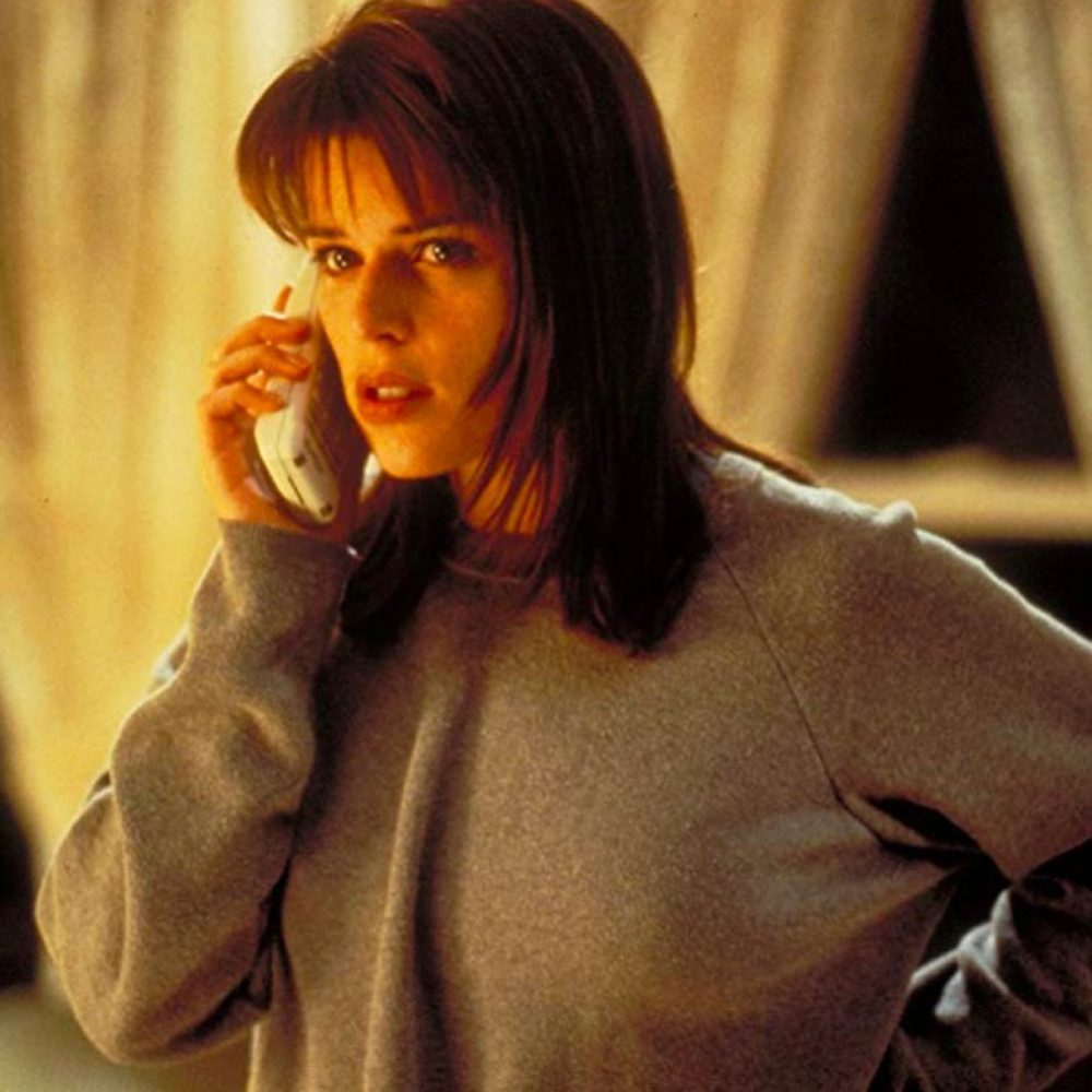Sidney Prescott Costume - Scream Fancy Dress - Sidney Prescott Phone