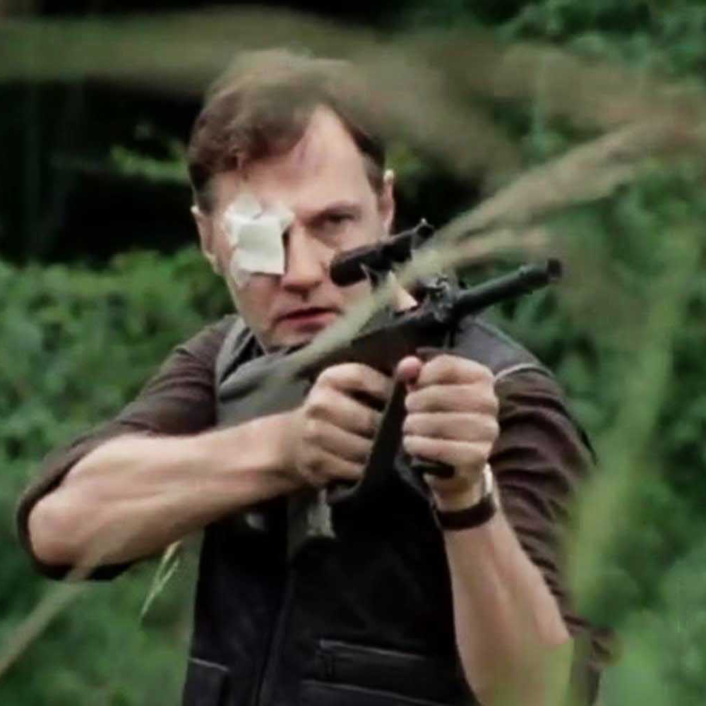 The Governor Costume - The Walking Dead - The Governor Assault Rifle