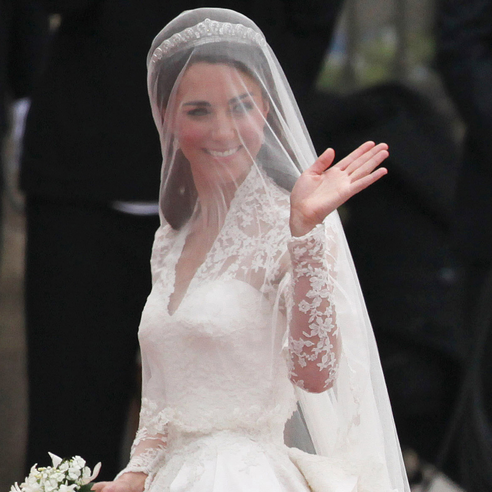 Kate Middleton Bride Costume - Kate Middleton Fancy Dress - Kate Middleton Bridal Veil