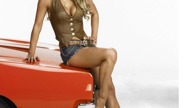 Daisy Duke Costume - The Dukes of Hazzard Fancy Dress - Daisy Duke Cosplay - Jessica Simpson High Heels - Jessica Simpson Legs - Jessica Simpson Legs