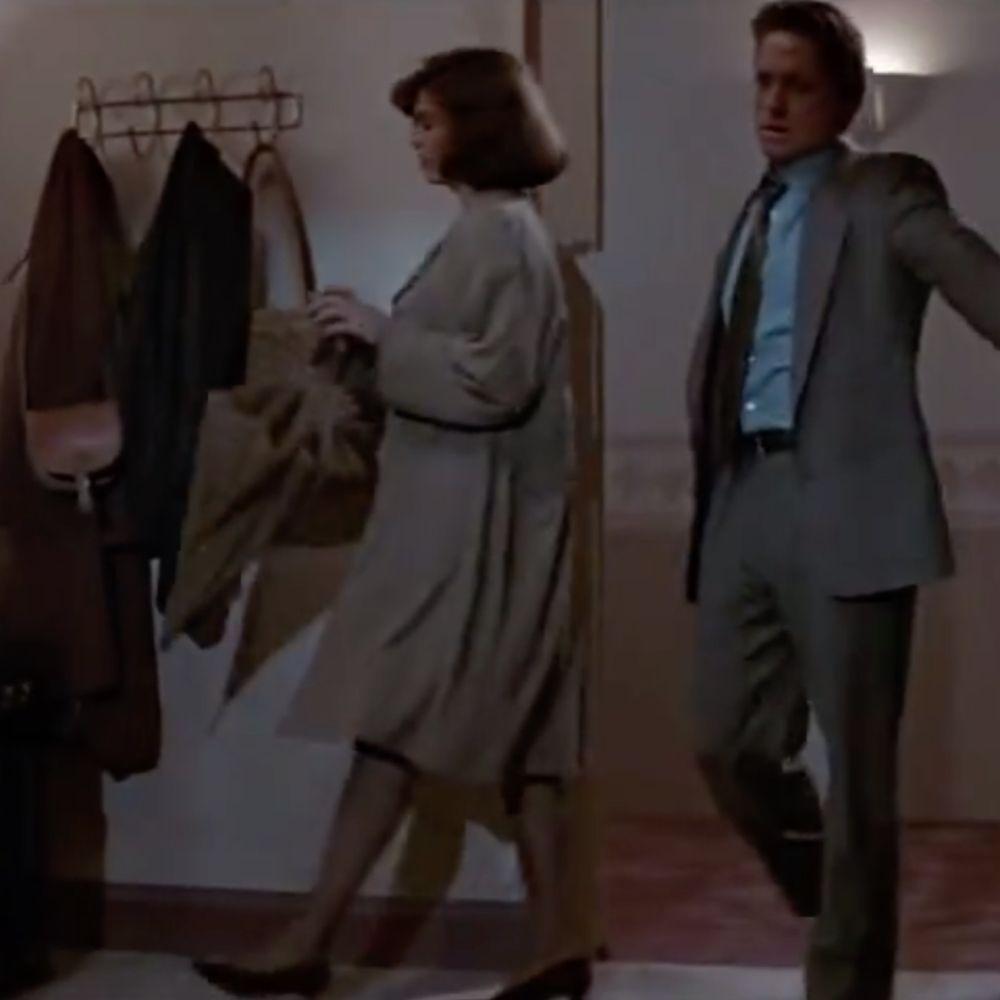 Dr Beth Garner Costume - Basic Instinct Fancy Dress - Dr Beth Garner High Heels - Jeanne Tripplehorn Legs - Jeanne Tripplehorn Stockings - Jeanne Tripplehorn High Heels