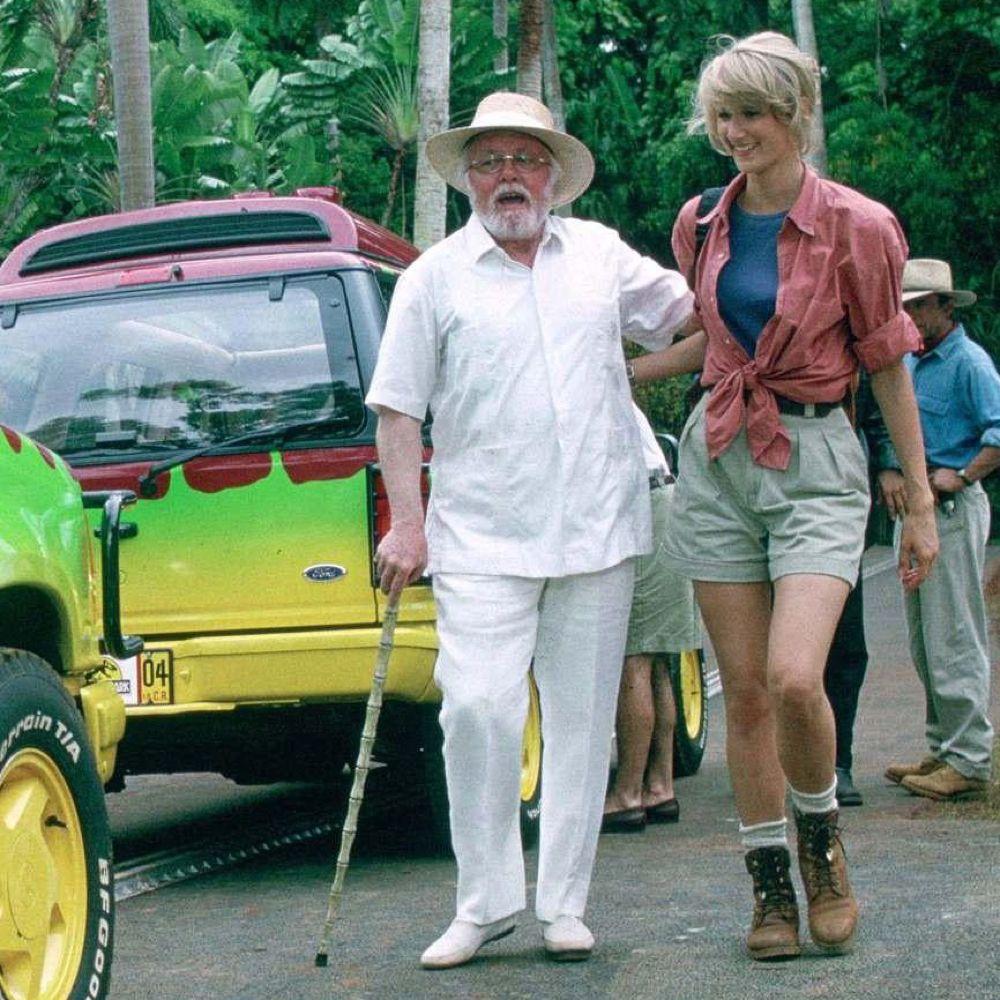 Dr Ellie Sattler Costume - Jurassic Park Fancy Dress - Dr Ellie Sattler Boots