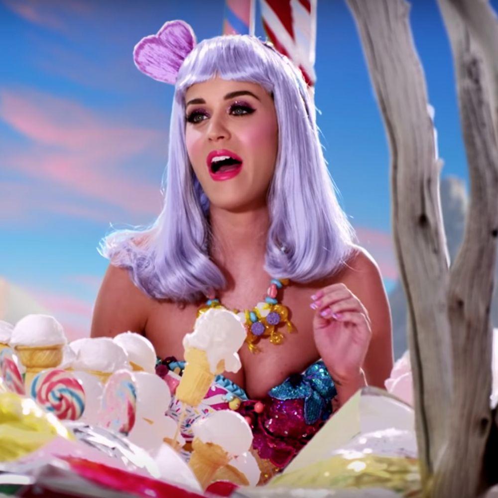 Katy Perry California Gurls Costume - Katy Perry Fancy Dress - Katy Perry Garter Hair Wig