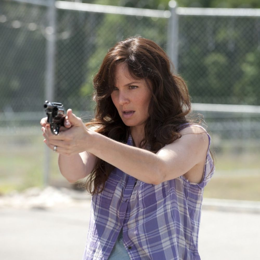 Lori Grimes Costume - The Walking Dead Fancy Dress - Lori Grimes Gun