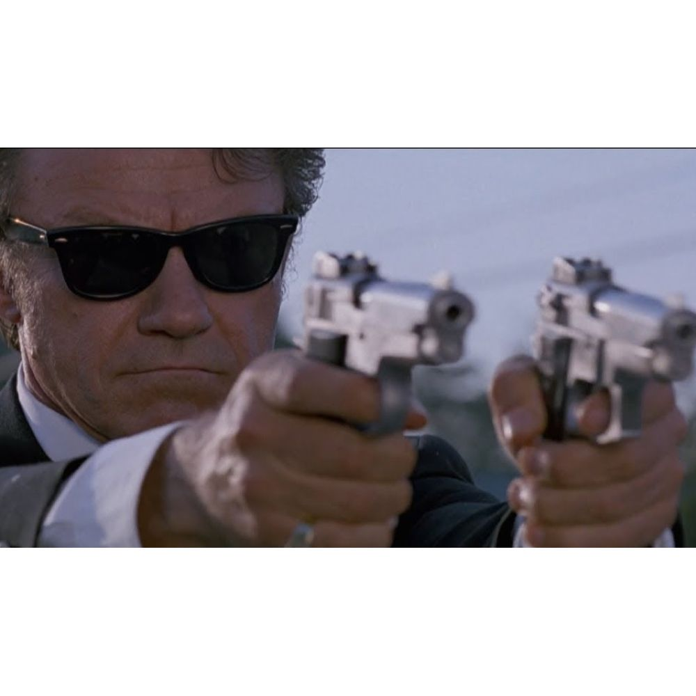 Mr White Costume - Reservoir Dogs Fancy Dress - Mr White Guns