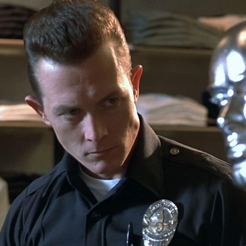 T-1000 Costume - Terminator 2: Judgement Day Fancy Dress - T-1000 Police Badge