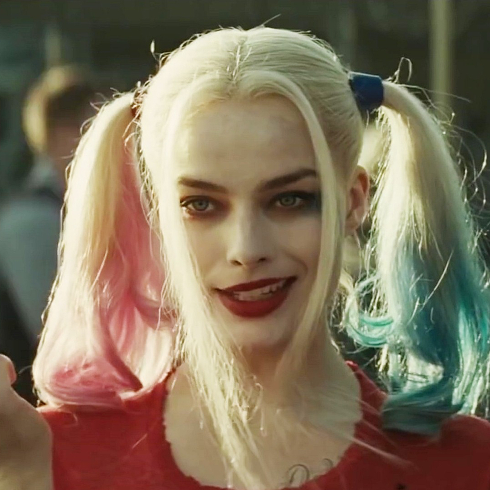 Margot Robbie Harley Quinn Costume - Harley Quinn makeup - Suicide Squad Costume